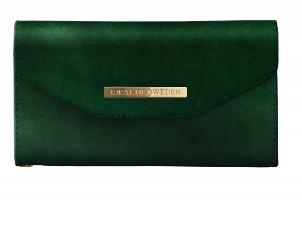 iDeal of Sweden iPhone Xr Mayfair Clutch Velvet Green